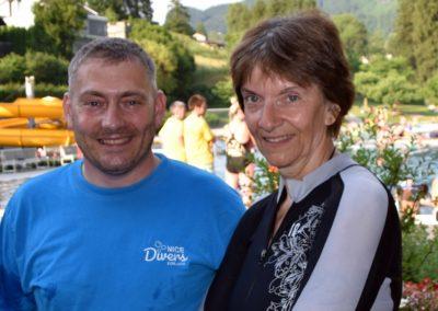 Obmann Oliver Marczynski und Taushclehrerin Ines M++ller